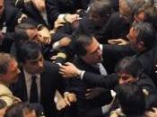 Seduta agitata alla Camera, rissa Barbaro Ranieri della Lega