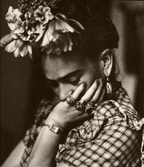 frida kahlo comes dinner essay Frida kahlo essays & research papers art essay – frida kahlo the mexican the poem frida kahlo comes to dinner by christine strickland is a compelling.