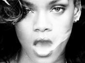 Troppo stress: Rihanna rischio!