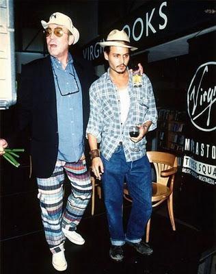 H.S. Thompson e la notte in cui Johnny Depp sparò le sue ceneri in cielo (con un cannone)