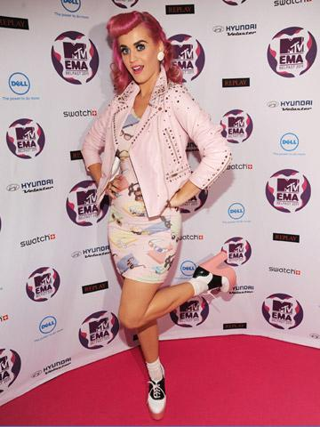 Il Look delle Star dal Red Carpet degli MTV Europe Music Awards 2011 - Belfast