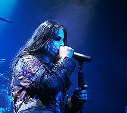 http://upload.wikimedia.org/wikipedia/commons/thumb/1/10/Dimmu_Borgir_Paris_041007_01.jpg/250px-Dimmu_Borgir_Paris_041007_01.jpg