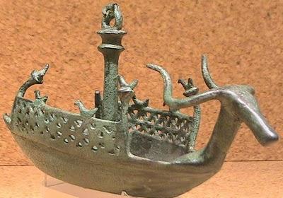Bronze Age - Le navicelle bronzee nuragiche - Ancient boat