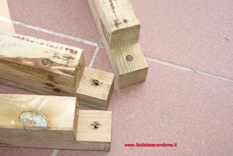 Come costruire una fioriera in legno paperblog for Costruire uno scuro in legno