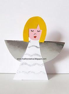 Decorazioni di Natale: angeli di carta