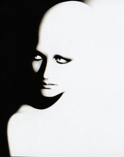 http://m2.paperblog.com/i/71/716401/mina-piccolino-la-voce-di-una-dea-che-arriva--L-YyTbMQ.jpeg