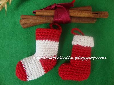 Addobbi Natalizi Alluncinetto.Decorazioni Natale Miniature All Uncinetto In Cotone Calzine
