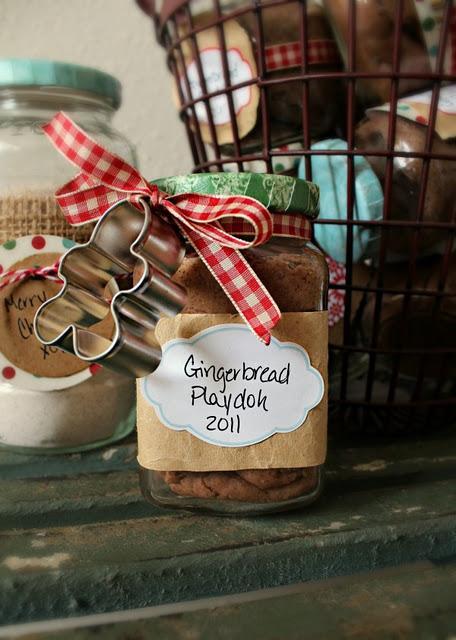 Idee Per Confezionare Biscotti Di Natale.24 Idee Decorative Da Fare Con Biscotti Di Pan Di Zenzero E Con