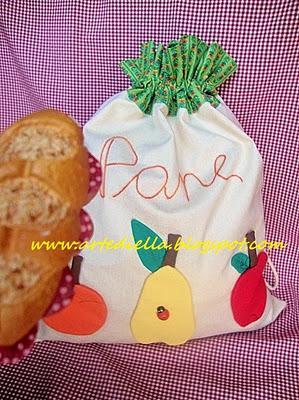 Sacchetto in stoffa per il pane con applicazioni frutta for Scatole rivestite in stoffa tutorial