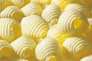 Gli italiani mangiano troppo burro