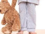 Disturbi sonno: come aiutare bambino sonnambulo