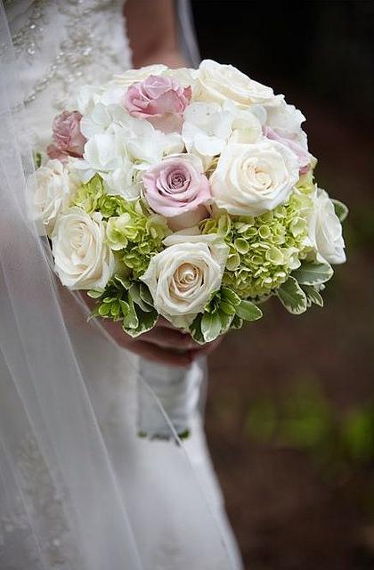 Ortensie Rosa Matrimonio : Bouquet di ortensie e rose paper