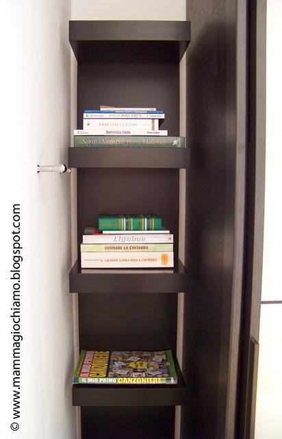 Casa organizzata una libreria ad angolo in 40 cm paperblog - Libreria ikea lack ...