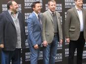 Incontro uomini dietro Sherlock Holmes: gioco ombre