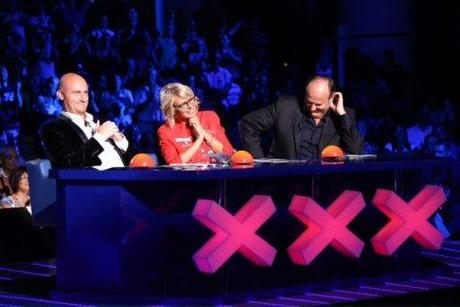 ASCOLTI TV/ ITALIA'S GOT TALENT (5,7 mln) supera alla seconda puntata BALLANDO CON LE STELLE (5,2 mln)