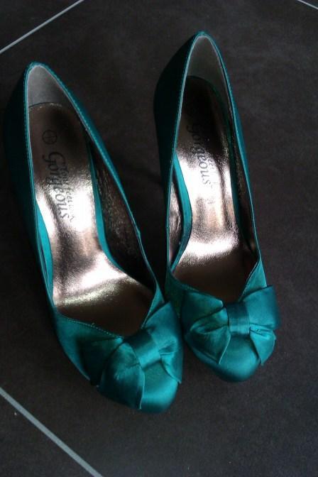 Shoeroom 39 new look emerald satin pumps paperblog for Scarpe inglesi famose