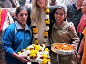 Lady Gaga dato segretamente mano orfanotrofio indiano