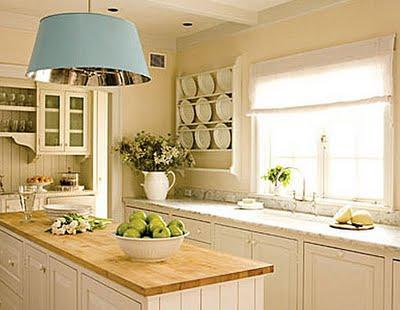 Il lavello sotto la finestra paperblog for Are white kitchen cabinets out of style