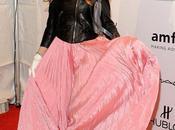 Sarah Jessica Parker agli amfAR Gala 2012: chiodo rosa