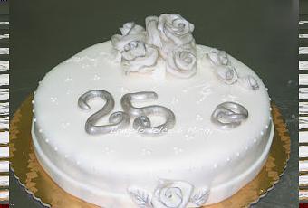 Torta nozze d 39 argento 25 anni uhhhhhh paperblog for Pensieri per 25 anniversario di matrimonio