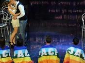 Sanremo 2012, coreografia segno dell'amore VIDEO