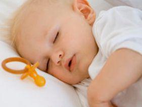 Sonno bambini: cose da fare e da non fare