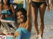 Cristina Chiabotto compagnia della sorella Serena, ultimi giorni Formentera. Supersexi bikini
