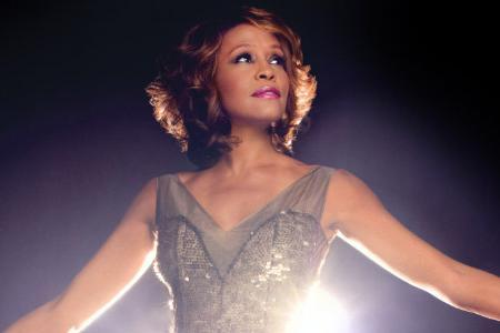 whitney houston New York, la nonna 90enne, balla in tributo di Whitney Houston | VIDEO