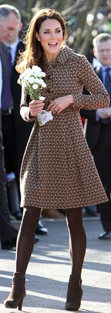 FASHION ICON | Kate Middleton a Oxford in Orla Kiely, Aquatalia e Kiki McDonough