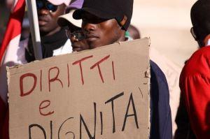 Calabria: migranti sfruttati per produrre la Fanta