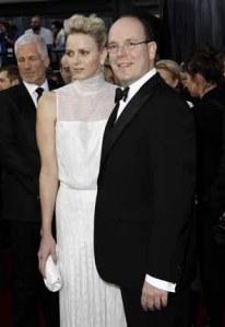 Le foto della notte degli Oscar, da George Clooney, Angelina Jolie, Meryl Streep, Simona Ventura, Alberto di Monaco e Charlene Wittstock.