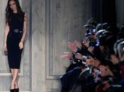 MODA Victoria Beckham porta passerella sobrietà senza tempo