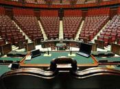 Parlamento declino