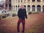 Steve-O Colosseo: romano gioielli alla mano