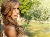 bellissima modella Tatyana Mityushina nello spot Intimissimi Primavera 2012