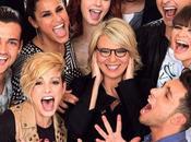 Amici come Glee: Sorrisi Canzoni sono copioni?