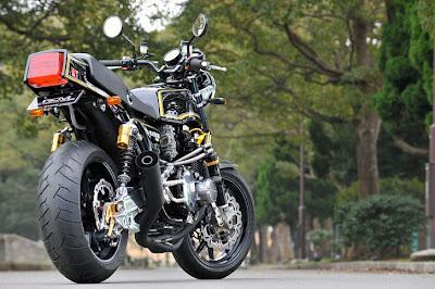 Kawasaki KZ-1000-MK-II-by-Sanctuary-Tokyo-West | The
