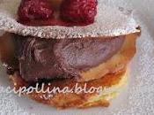 Clafoutis lamponi banane quenelle cioccolato sfoglie croccanti